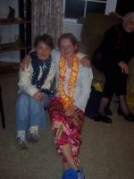 SungMi (l.) und Kathrin (r.) auf Party